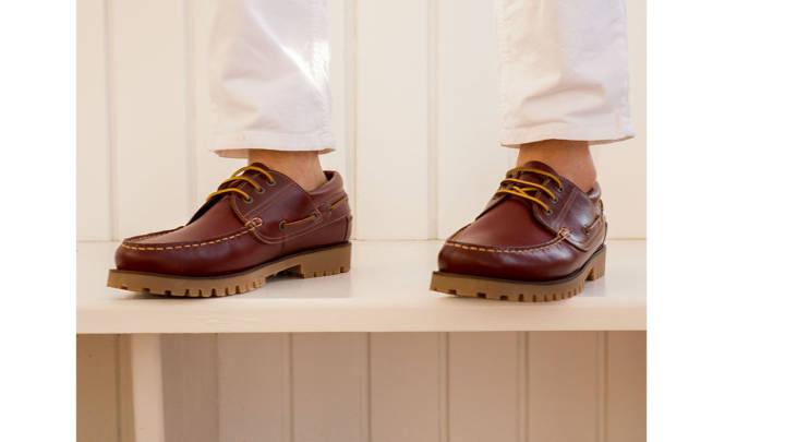 Los náuticos son otro modelo de calzado que complementa perfectamente el armario de un caballero