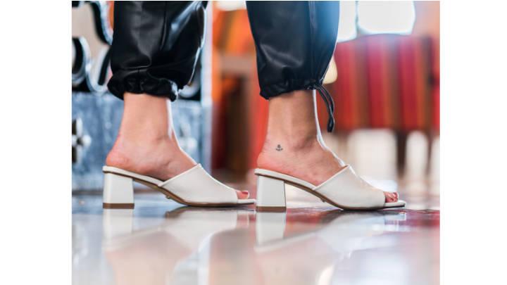 Siempre al día, el calzado de tacón impone la moda con gran prestancia